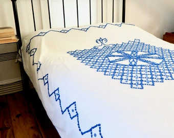 Vintage Chenille Bedspread Twin Blue on White Cotton Central Medallion Grid Print