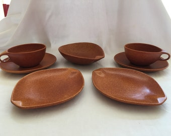 Mid Century Roseville Pottery Raymor Brown Terra Cotta Breakfast Set Bowl Plates Teacups Saucers