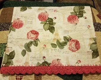 Crochet edge pillowcase Paris Pink roses