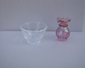 """Dollhouse Miniature Cranberry Vase and Clear Glass Bowl by Philip Grenyer 1"""" Scale. (M)"""