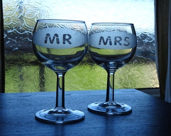 Personalized etched wine / champaigne glasses