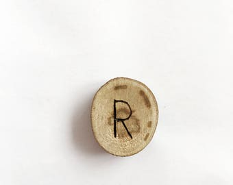 R letter magnet - kitchen decor - office accessories - office decor - gift idea - valentines day