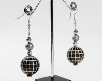 Black and White Bead Drop Earring(DF/ER/0014)
