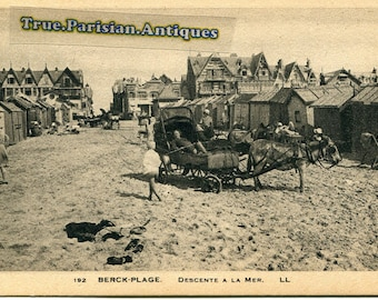 2 vintage pictures of carriages on Berck beach
