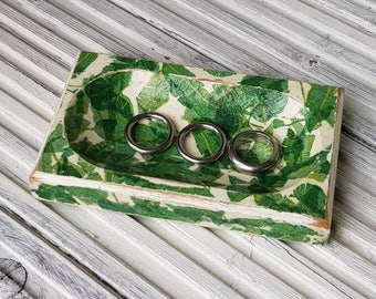 Shabby Chic ring dish in green and white