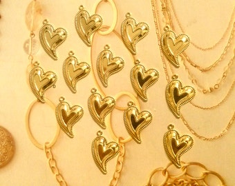 14 Goldplated Heart Pendants