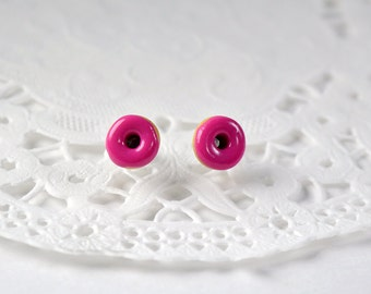 CHILD or small. Chips donuts, studs Donuts, gourmet gem Stud Earrings, small donuts in the raspberry doughnut Fimo polymer