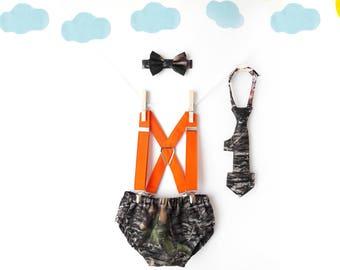 camo baby boy, camo cake smash outfit boy, camo diaper cover bow tie, camo 1st birthday outfit, boy 1st birthday outfit, camo suspenders