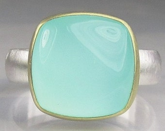 Sea Green Chalcedony Ring - 18k Gold an Sterling