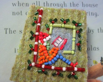 Christmas Reader Pin