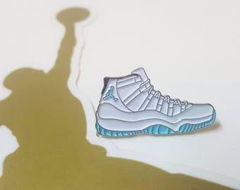 AJ11 Legend Blue Sneakers Pin