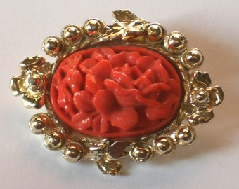 Vintage Coral Glass Brooch gold tone ~ Evelyn daydreamed of faraway places. Moddities