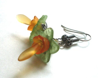 Lucite flower layered earrings orange green with yellow 'stamen' glass drop, antiqued silver, citrus color earrings, flower bead jewelry