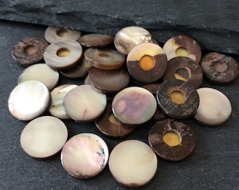 Vintage Mother of Pearl button without shank from Abalone shell – dark brown/pink shaded round shape 13mm (MOP.V-07) 24 pcs