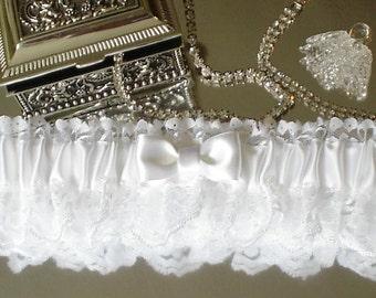 Wedding Garter, White Garter, Bridal Garter, Wedding Keepsake Garter, Bridal Keepsake Garter, White Wedding Accessories, Garter for Wedding