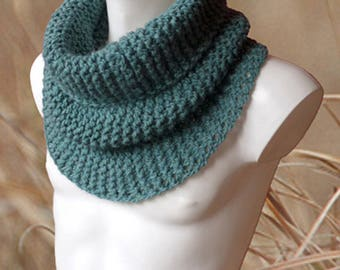 Sea Green Knit Scarf, Chunky Infinity Scarf, Chunky Snood, Natural Fiber Scarf, Winter Scarf, Knit Cowl Scarf, Seagreen Snood