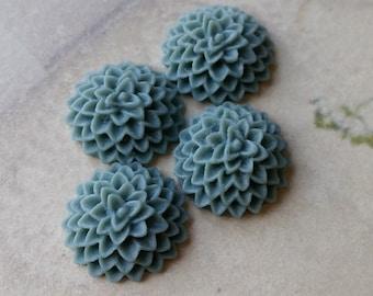 15 mm Grey Resin Chrysanthemum Flower Cabochons (.am) (zzb)