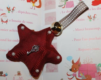 Christmas decoration star in red and white beads
