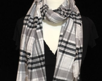 White Black Plaid Blanket Scarf, Winter Scarf, Gift for her, Blanket Scarf, Flannel Scarf, Warm Scarf, Scarf, Plaid Scarf, Black Scarf