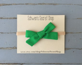 green baby bow, baby bow headband, green hair bow, green baby headband, hand tied bow, baby headband, baby girl bow, infant baby bow