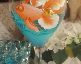 Gold fish wine glass, Hand painted tropocal fish wine glass, angel fish wine glass, ocean theme wine glass,under the sea wine glass