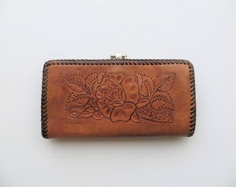 1970s Tooled Leather Wallet Kisslock Coin Purse Floral Tan Leather Checkbook