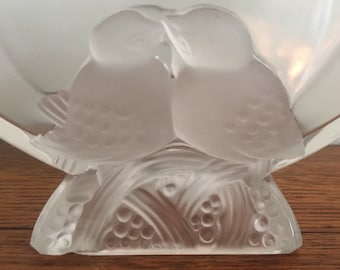 French Art Deco Frosted Love Birds Vase marked Verlys