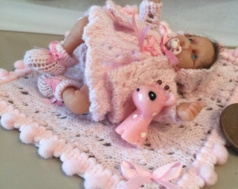 NEW STOCK - Dolls house ooak baby girl in pink knitted look layette  with matching blanket and toy giraffe <3  1/12 scale