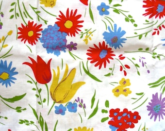 Vintage Feedsack  Flour Sack Cotton  Fabric - Glorious Flower Garden on White Background   -  35 x 40