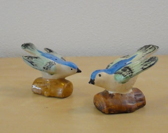 Vintage Blue Bird Salt and Pepper Shakers - Made in Japan