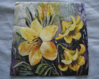 YELLOW LILY NAPKIN