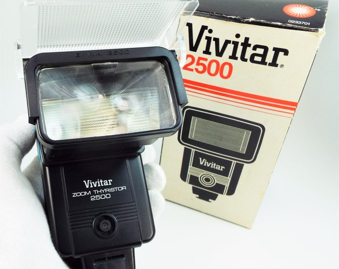 Vivitar 2500 Auto Thyristor Electronic Flash / Strobe - Bounce Zoom Head - w/ Original Box - Fully Working, Near Mint