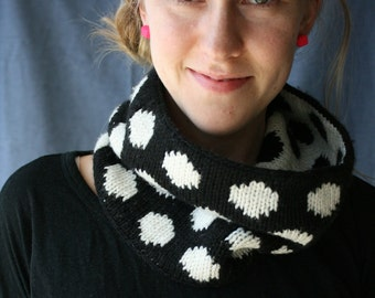 Dots Cowl PDF KNITTING PATTERN