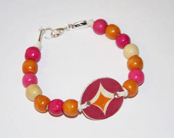 Bracelet pink and orange paper and wood