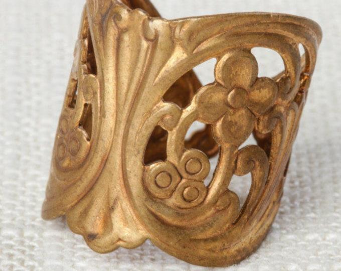 Flower Vintage Ring Brushed Gold US Womens Size 5.5 Adjustable 7I