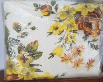 Vintage Beacon Blanket, Flora Blanket, Floral Blanket, Bed Cover, Unopened!