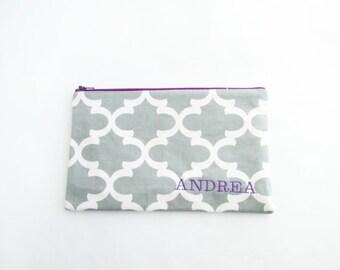 Large Make up Bag - Monogram Cosmetic Bag - in Grey Fulton - Quatrefoil Bridesmaid bags - Large