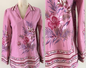 1970's Soft Floral Print Top Hippie Boho Pink Hawaiian Top Size Medium by Maeberry Vintage