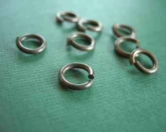 vintaj brass jump rings, 8 pieces 7.25mm, brass jump rings
