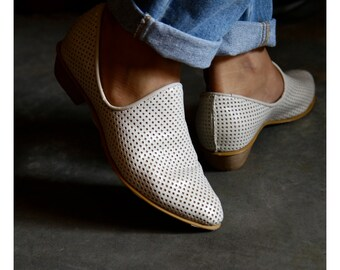 Cream Flat Leather Shoes / White Women Shoes / Every Day Shoes / Perforated Leather Shoes / Comfortable Shoes / Wooden Heels Shoes - Charlie