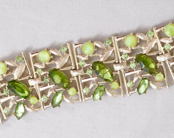 "Vintage 7 1/4"" Bracelet signed Art circa 1950's, three colored hinged Emerald stones silver background"