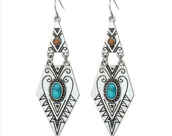 Southwestern Native American Inspired Howlite Turquoise & Silver plated drop dangling Earrings Boho ethched earrings Vintage reproduction