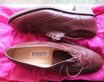 Amazing Vintage BANDOLINO Shoes Lace Up  Brown Leather Oxford With Low Heels  Size 8M/38 Made in Italy
