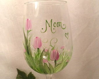 Free shipping Tulips hand painted wine glass for mom grandma godmother sister friend bridemaids godmother friend