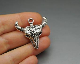 LOT DE 2 breloques taureau vache corne argenté (A33)