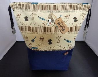 Medium Snoopy project bag.