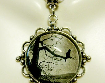 Steinlen cat out on a limb pendant with chain - CAP26-035
