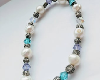Beaded bracelet on stretchy cord