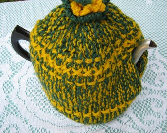 Vintage Tea Cozy - Green and Gold Patterned - Vintage Style for your teapot.