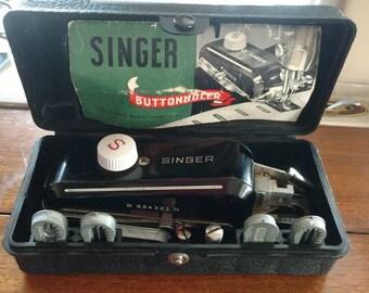 Vintage Singer buttonholer #160506 black case from 1943